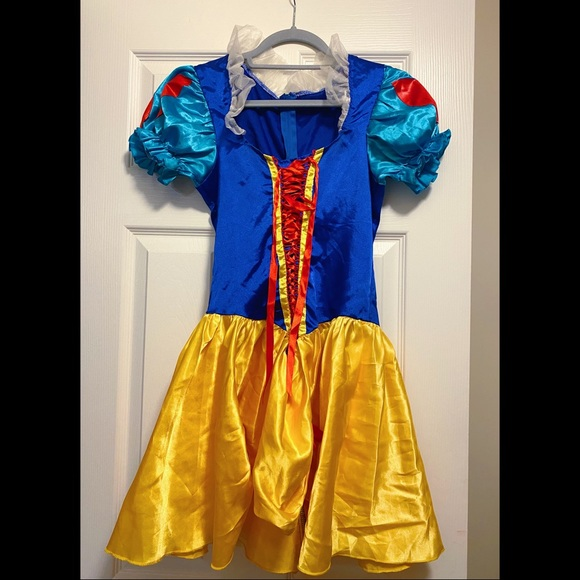 Woman's Snow White Halloween Costume